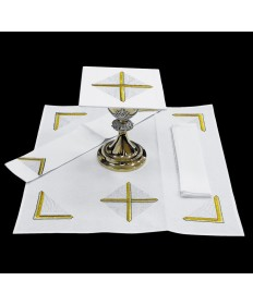 Mass Linen Set by Alba Studio with Gold and White Cross